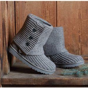 Wear 2 ways!! UGG women's classic cardy gray